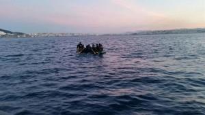Localizan-patera-inmigrantes-Estrecho_EDIIMA20150711_0293_19